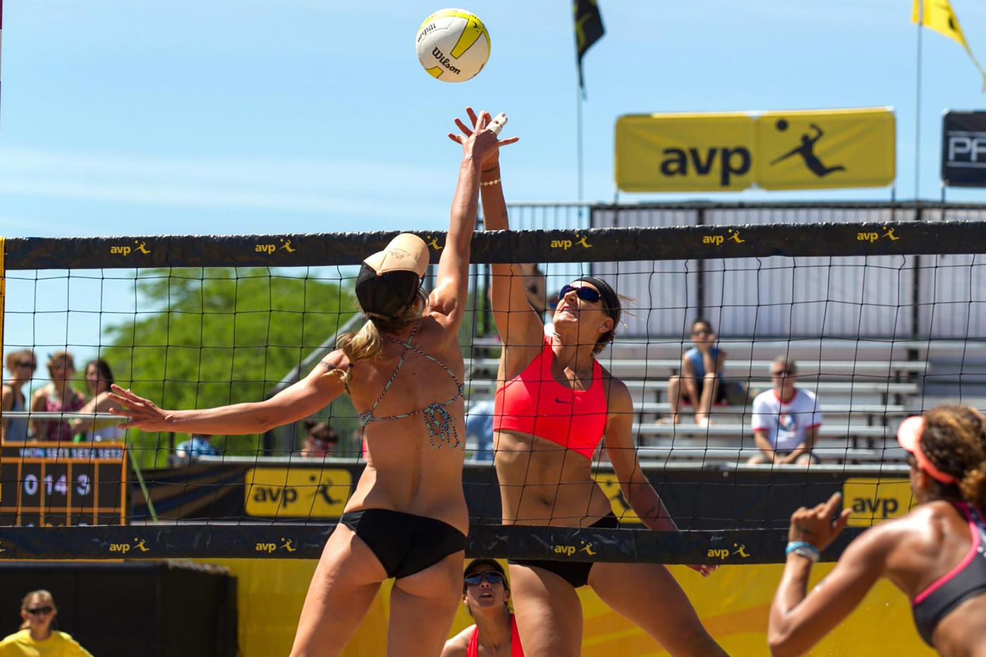 http://residencehotelmajestic.it/wp-content/uploads/2016/02/BeachVolley1920x1280.jpg