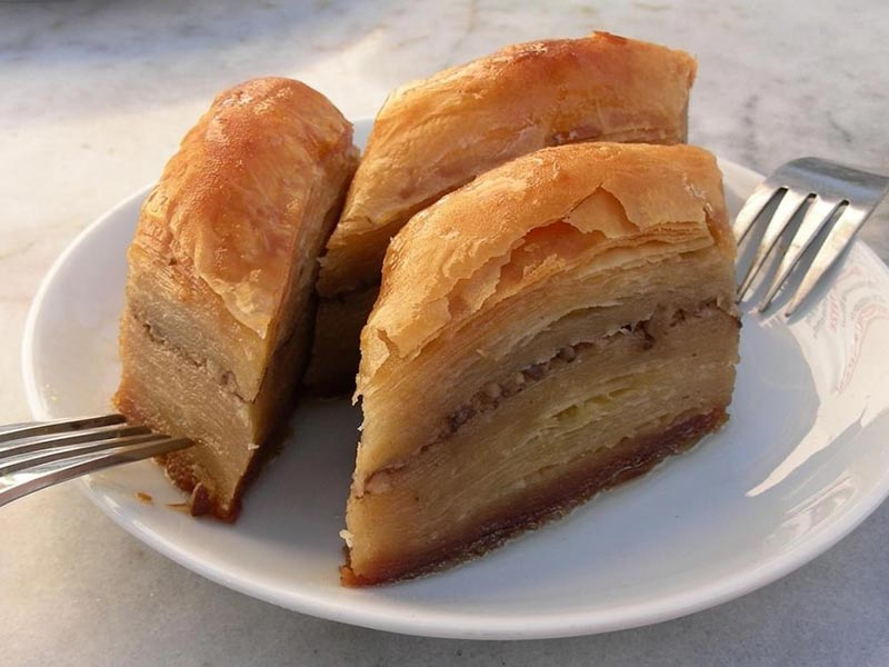 https://residencehotelmajestic.it/wp-content/uploads/2018/01/9-baklava-800x600.jpg